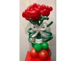 Розы на подставке